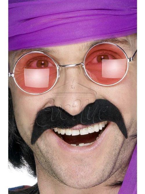 Fekete hippi bajusz az EveNue COSTUMES jelmezkölcsönző szalon kínálatából