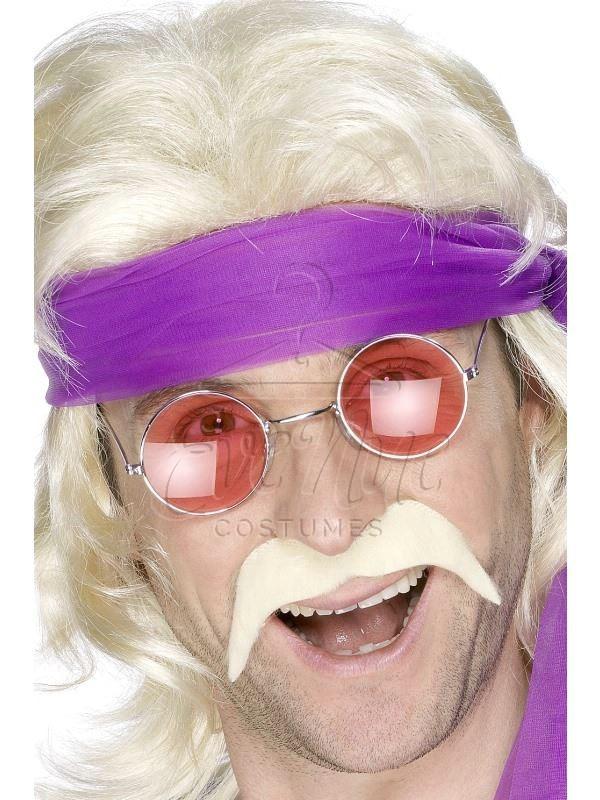 Szőke hippi bajusz az EveNue COSTUMES jelmezkölcsönző szalon kínálatából