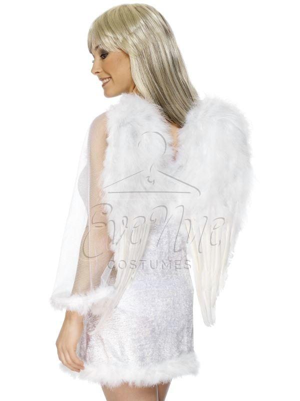 Fehér tollas angyalszárny az EveNue COSTUMES jelmezkölcsönző szalon kínálatából