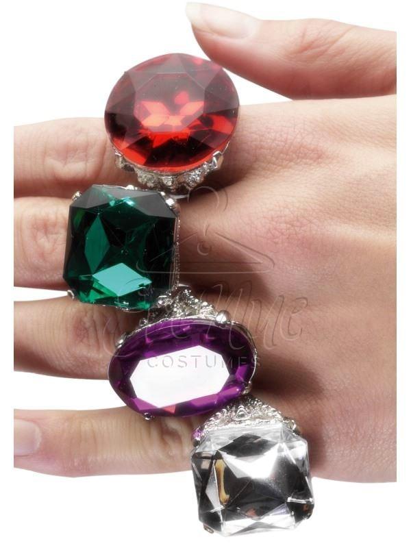 Színes gyűrűk az EveNue COSTUMES jelmezkölcsönző szalon kínálatából
