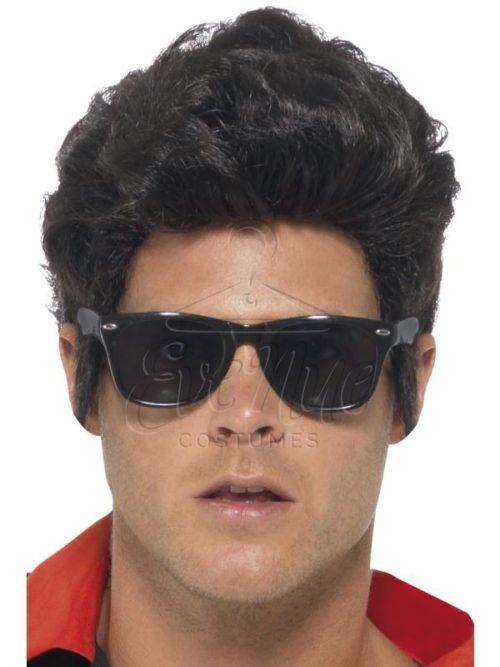 50-es éveket idéző fekete férfi szemüveg az EveNue COSTUMES jelmezkölcsönző szalon kínálatából