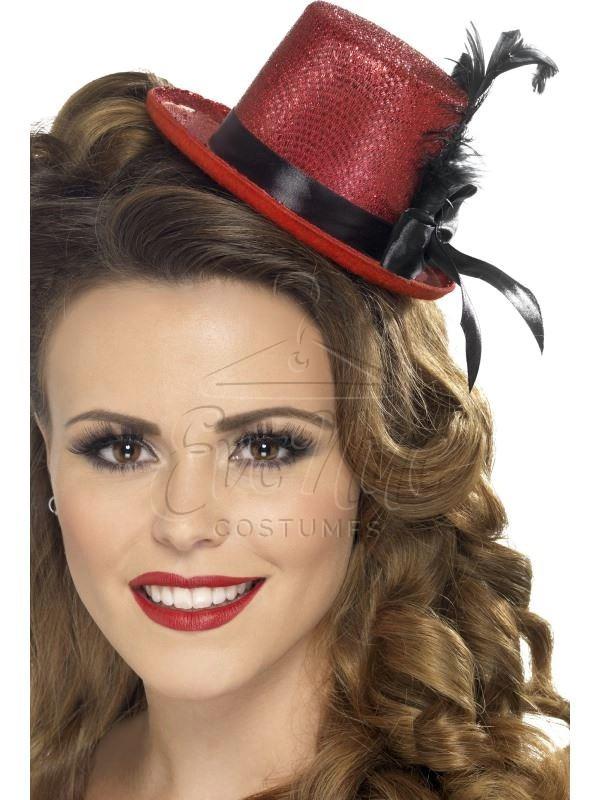 Piros mini kalap az EveNue COSTUMES jelmezkölcsönző szalon kínálatából