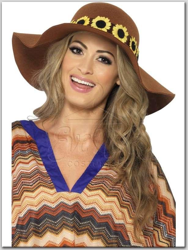 Hippi női kalap az EveNue Costumes jelmezkölcsönző szalon kínálatából