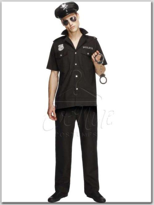 Férfi rendőr farsangi jelmez az EveNue Costumes jelmezkölcsönző szalon kínálatából