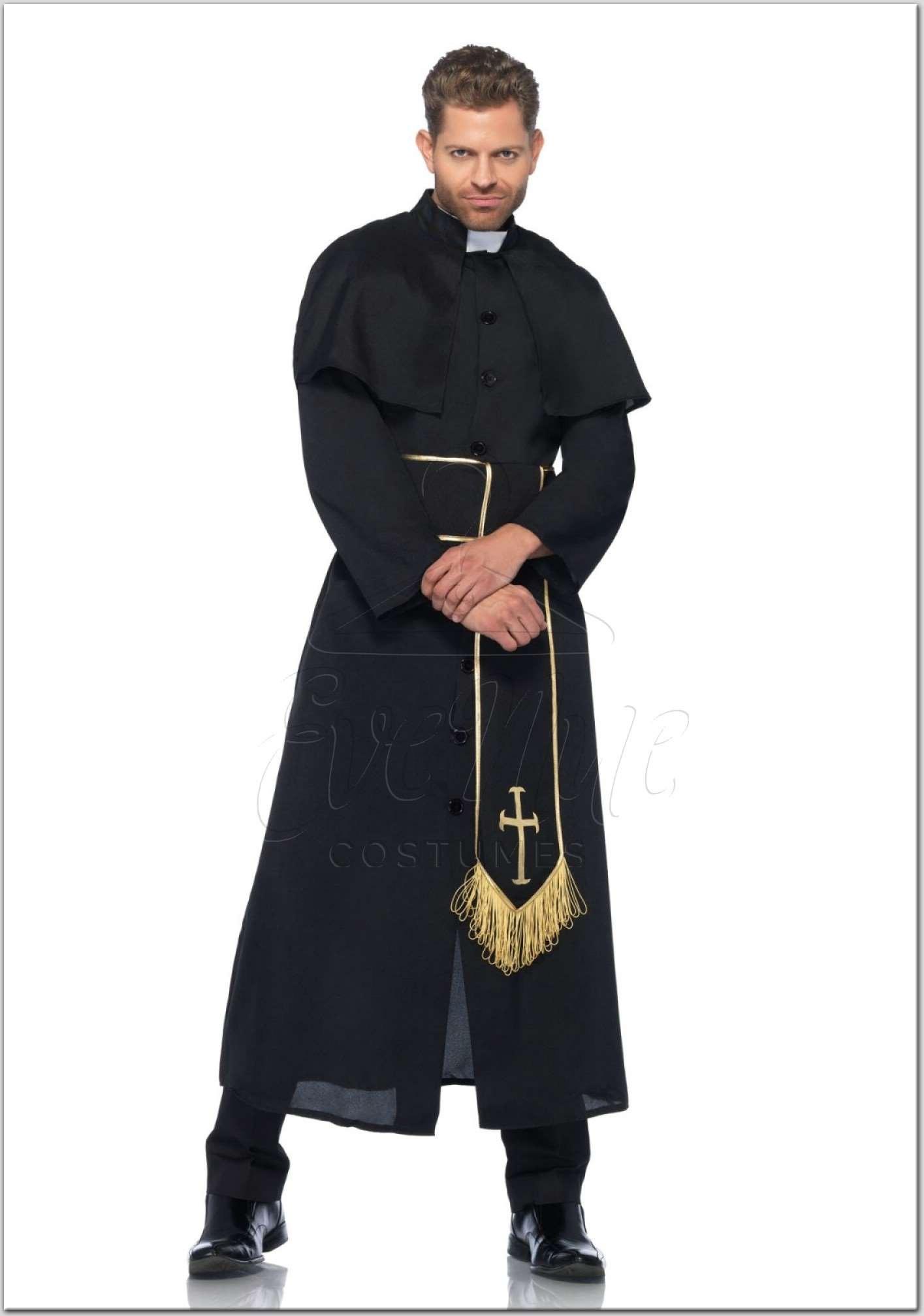 Pap férfi jelmez az EveNue Costumes jelmezkölcsönző szalon jóvoltából