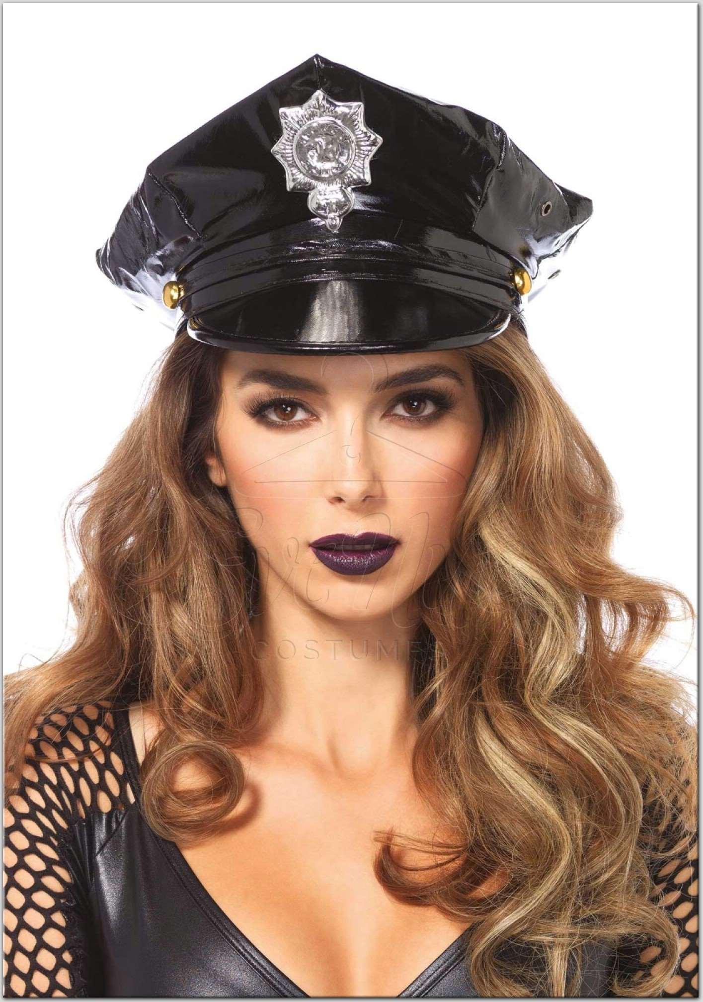 Rendőr kalap az EveNue Costumes jelmezkölcsönző szalon kínálatából