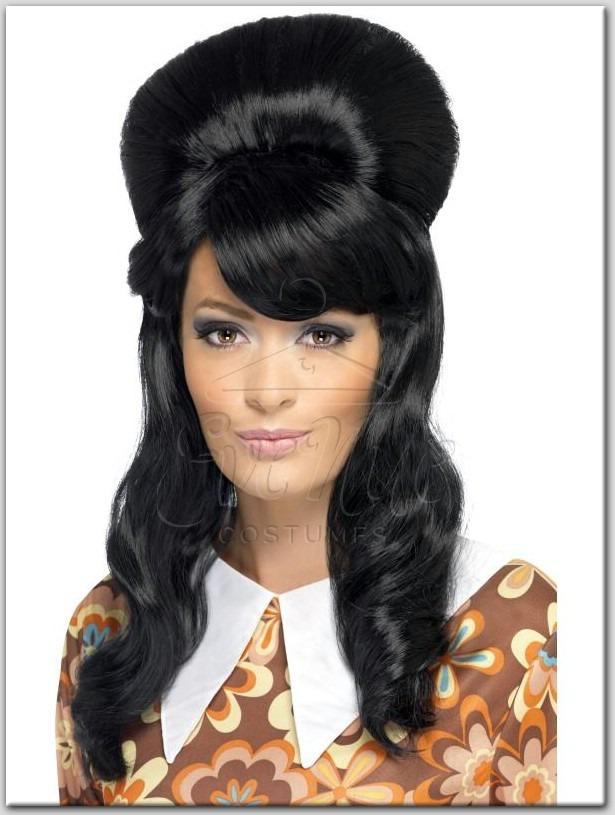60-as évek stílusú női paróka az EveNue COSTUMES jelmezkölcsönző szalon kínálatából