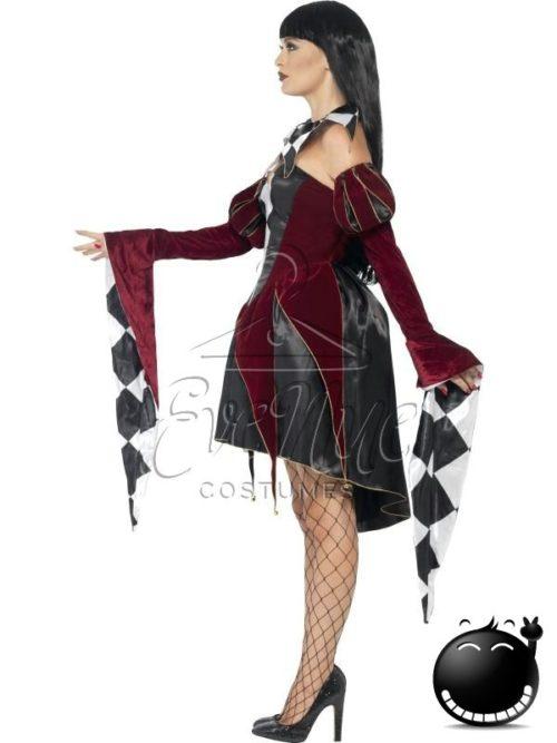 Gótikus velencei női jelmez az EveNue COSTUMES jelmezkölcsönző szalon kínálatából