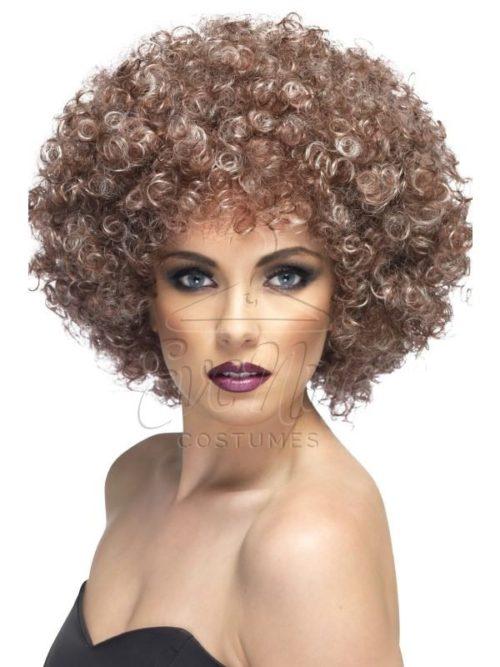 Afro szőkésbarna paróka az EveNue COSTUMES jelmezkölcsönző szalon kínálatából