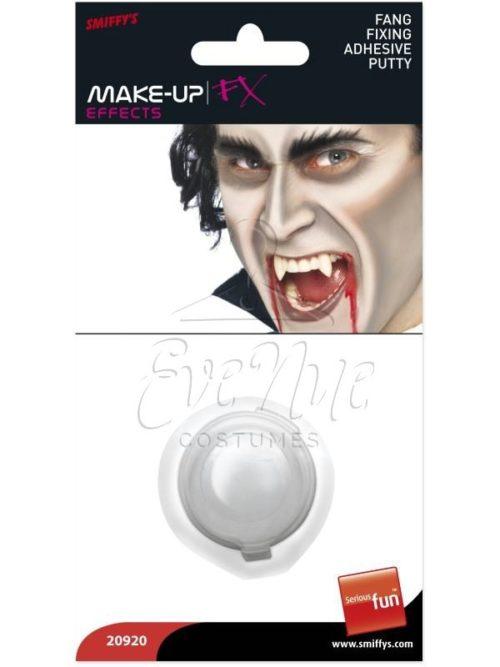 Vámpír szemfog rögzítő készítmény az EveNue COSTUMES jelmezkölcsönző szalon kínálatából