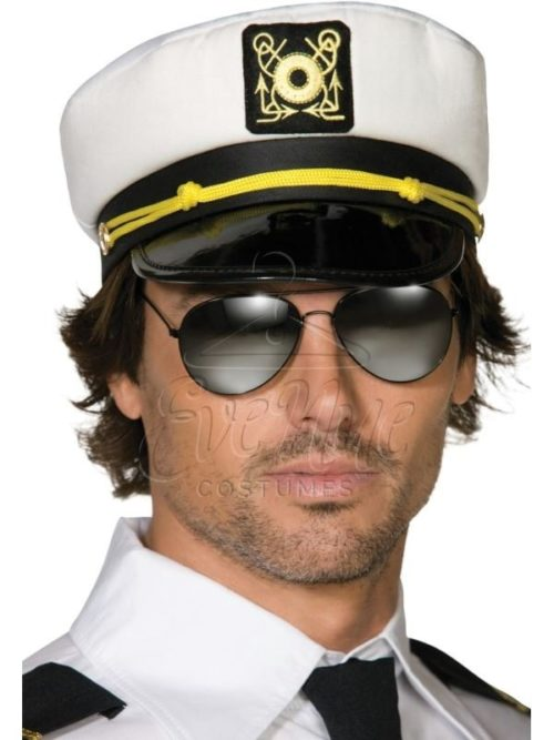 Kapitány sapka az EveNue COSTUMES jelmezkölcsönző szalon kínálatából